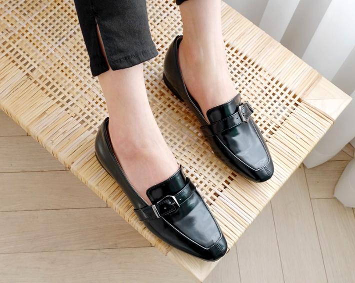 3 mẫu giày công sở với vẻ ngoài cá tính luôn được lòng các chị em nói không với bánh bèo - Ảnh 7.