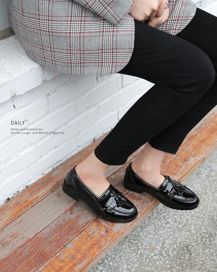 3 mẫu giày công sở với vẻ ngoài cá tính luôn được lòng các chị em nói không với bánh bèo - Ảnh 9.