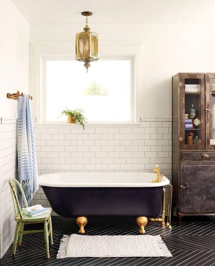 Những thiết kế bồn tắm tinh tế giúp bạn luôn lâng lâng như trong khách sạn - Ảnh 2.