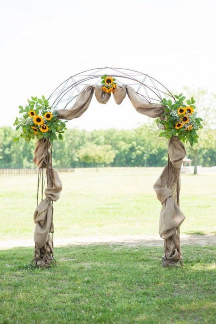 Hoa hướng dương - sắc màu tươi vui, hạnh phúc cho tiệc cưới của bạn - Ảnh 1.