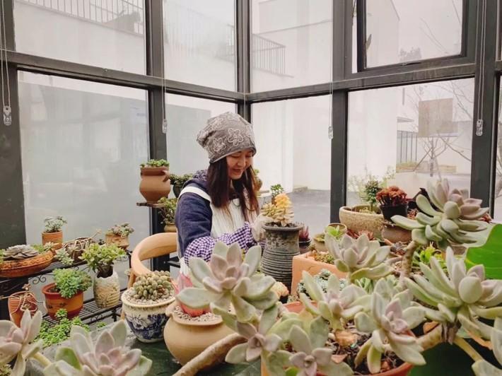 Nữ giám đốc doanh nghiệp quyết định sống cho bản thân sau 40 tuổi bằng cách nghỉ việc về quê trồng hoa, làm thơ - Ảnh 15.
