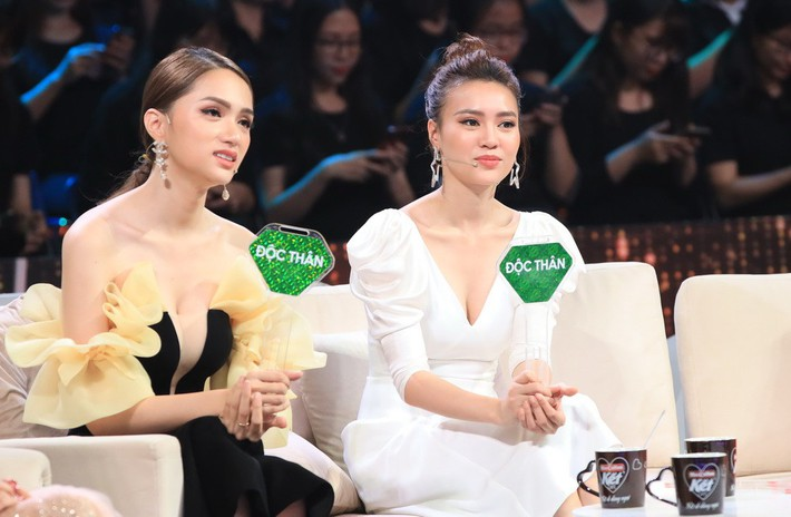 """Một bộ đầm - hai số phận: Đụng hàng của Angela Phương Trinh, HH Hương Giang mặc """"sai lè"""" mà chẳng hề hay biết - Ảnh 2."""