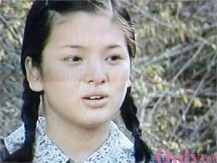 Song Hye Kyo giảm cân ngoạn mục với công thức uống 3 lít nước chanh pha loãng mỗi ngày - Ảnh 2.