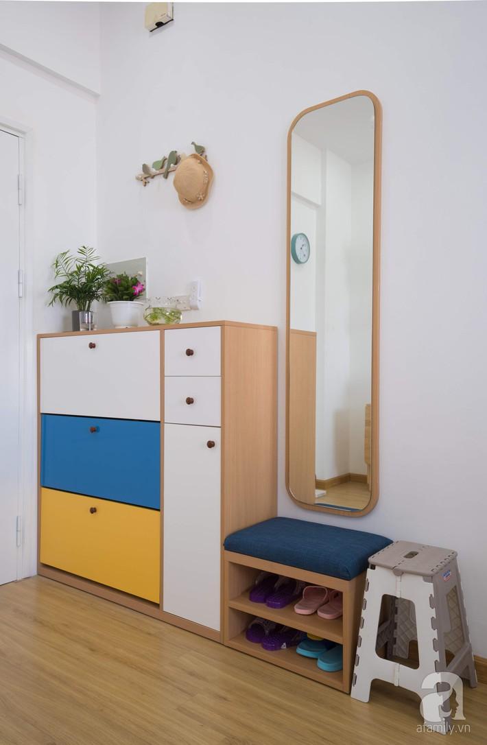 Căn hộ 66m2 với thiết kế đơn giản, thuận tiện cho cuộc sống hiện đại của gia chủ yêu màu xanh biển - Ảnh 1.
