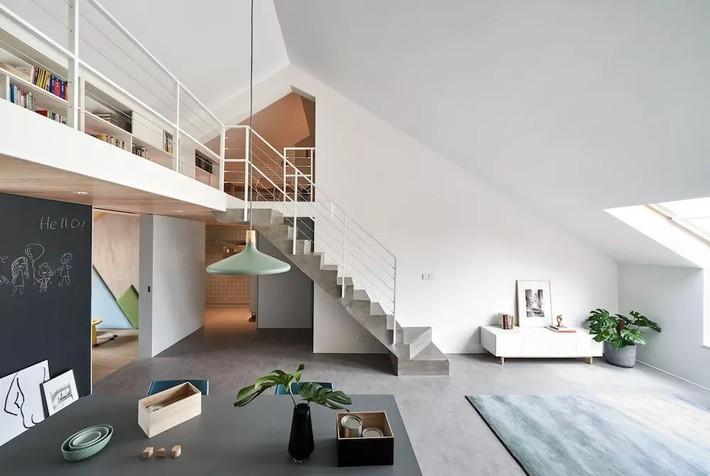 Cặp vợ chồng trẻ nới rộng căn hộ áp mái 85m2 thành không gian 115m2 sau cải tạo ai nhìn cũng mê - Ảnh 12.
