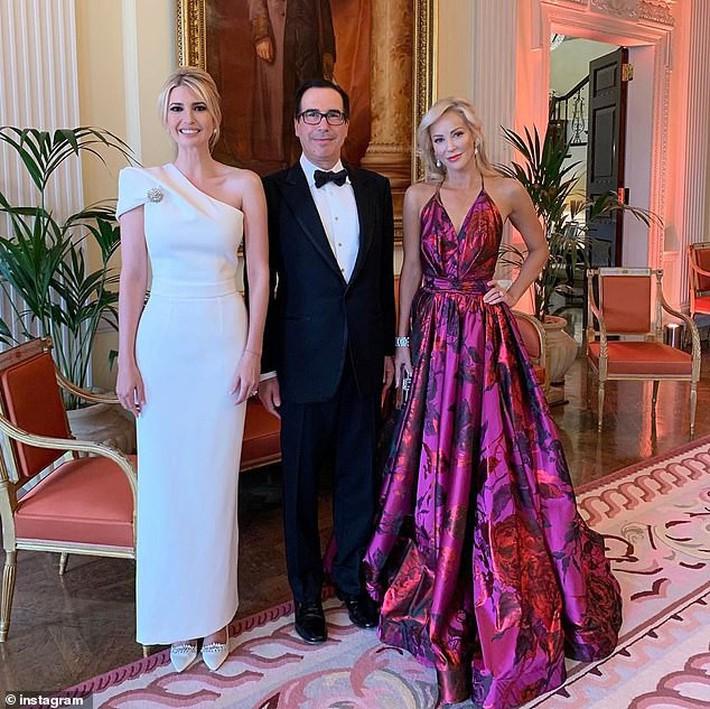 Lấn át cả công nương Kate, xa xỉ không thua gì phu nhân Melania Trump, ái nữ nhà Trump khiến cả thế giới hết lời khen ngợi trước gu thời trang tinh tế của mình - Ảnh 6.