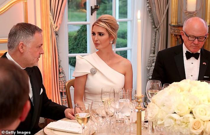 Lấn át cả công nương Kate, xa xỉ không thua gì phu nhân Melania Trump, ái nữ nhà Trump khiến cả thế giới hết lời khen ngợi trước gu thời trang tinh tế của mình - Ảnh 5.