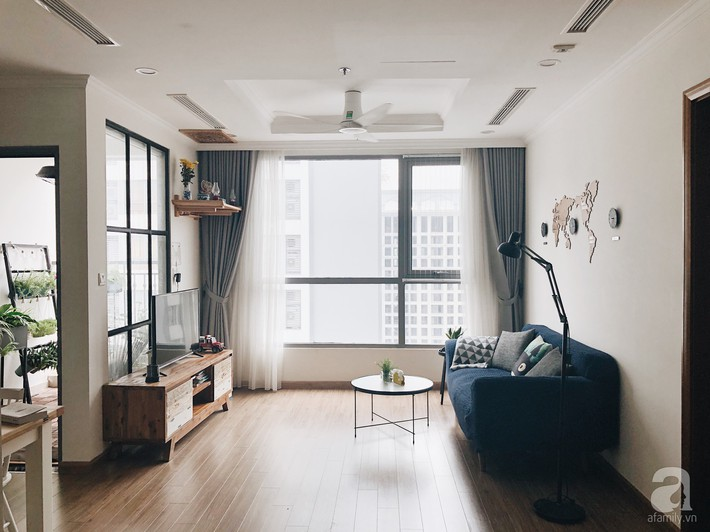 """Ngắm căn hộ 72m2 của cặp vợ chồng đam mê triết lý giản tiện từ """"Nữ hoàng dọn dẹp"""" Marie Kondo - Ảnh 1."""