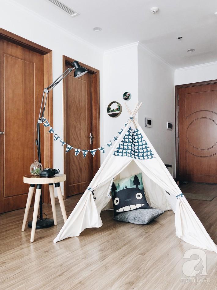 """Ngắm căn hộ 72m2 của cặp vợ chồng đam mê triết lý giản tiện từ """"Nữ hoàng dọn dẹp"""" Marie Kondo - Ảnh 8."""