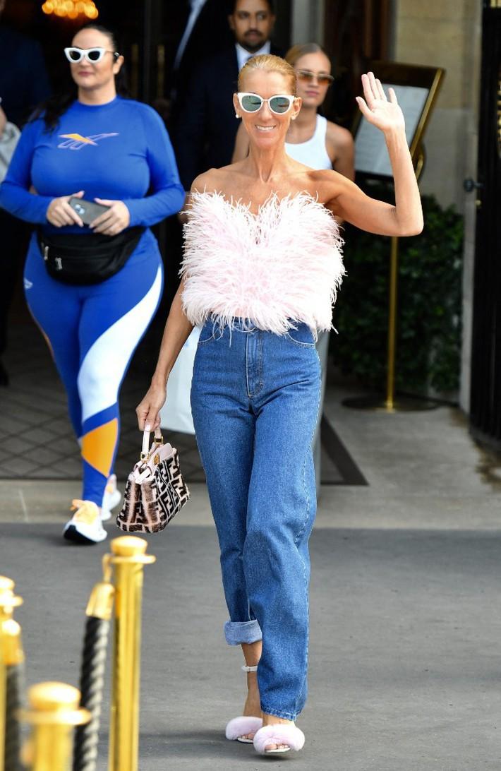 Lên đồ cũn cỡn như đồ bơi ra phố khoe chân nâu giòn, xem ra Celine Dion đã chất chơi quá đà rồi! - Ảnh 6.