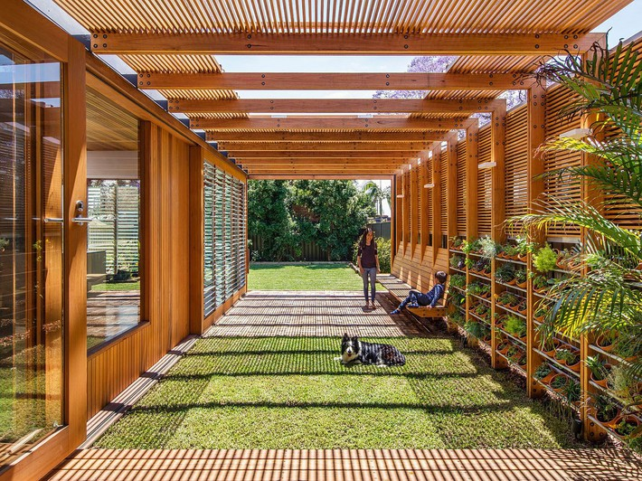 Innovative-extension-of-Californian-bungalow-with-a-herb-garden