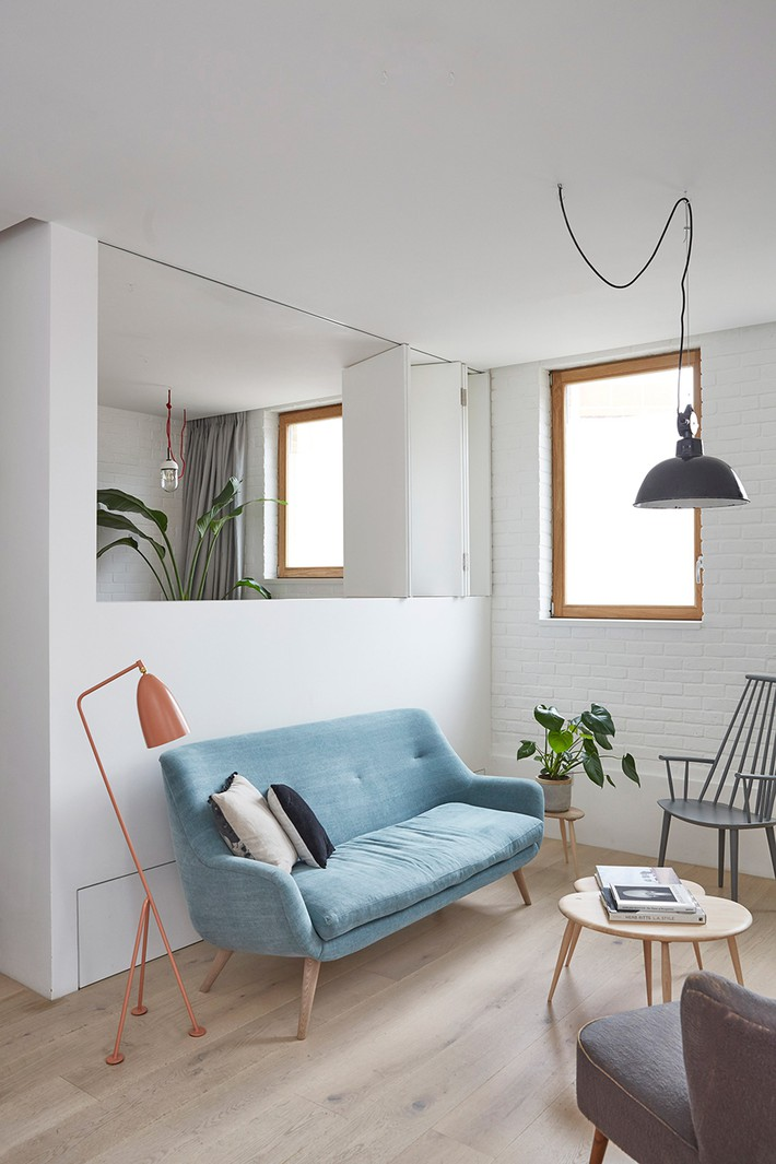 hackney-mews-hutch-design-london-architecture-_dezeen_2364_col_0