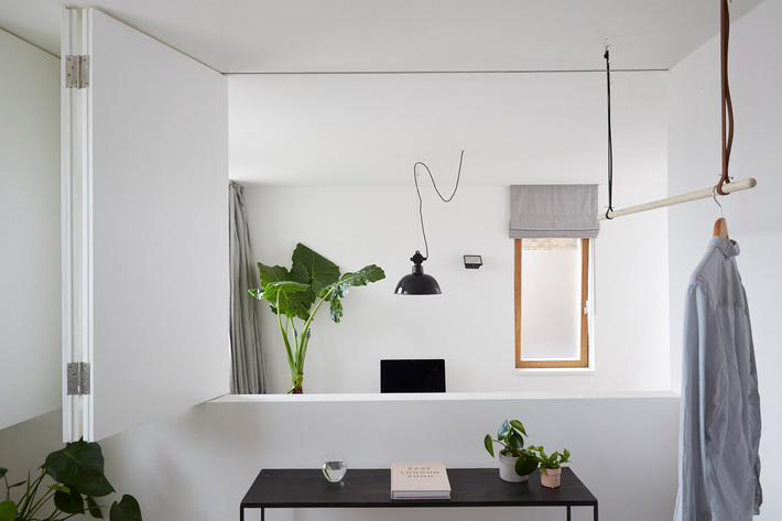 hackney-mews-hutch-design-london-architecture-_dezeen_2364_col_15