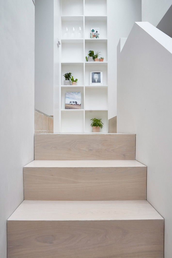 hackney-mews-hutch-design-london-architecture-_dezeen_2364_col_8
