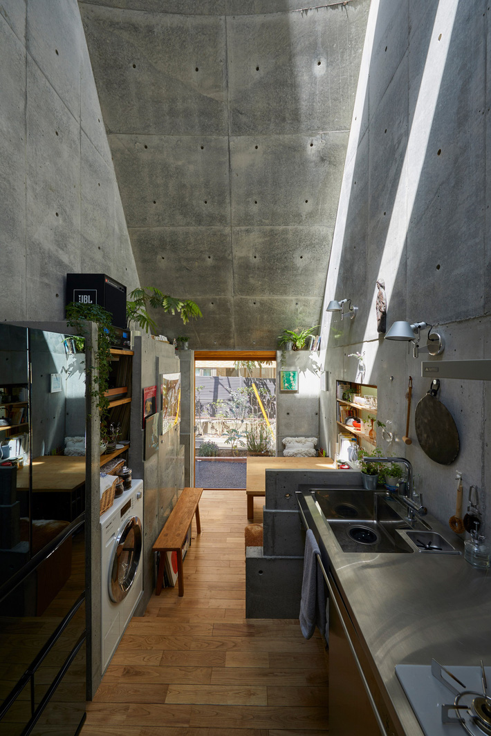 love2-love-2-house-takeshi-hosaka-tokyo-japan_dezeen_2364_col_9