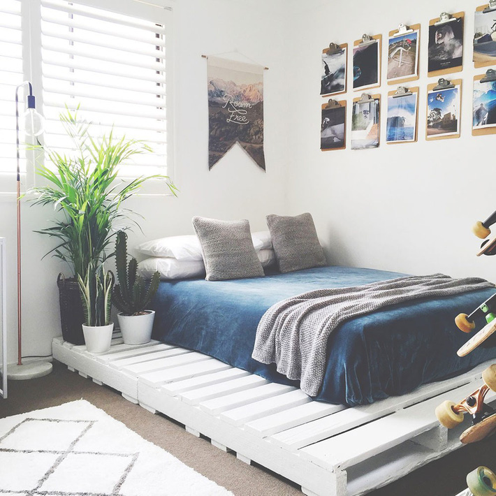 Great-Pallet-Bed-Ideas-To-Lighten-Your-Space2