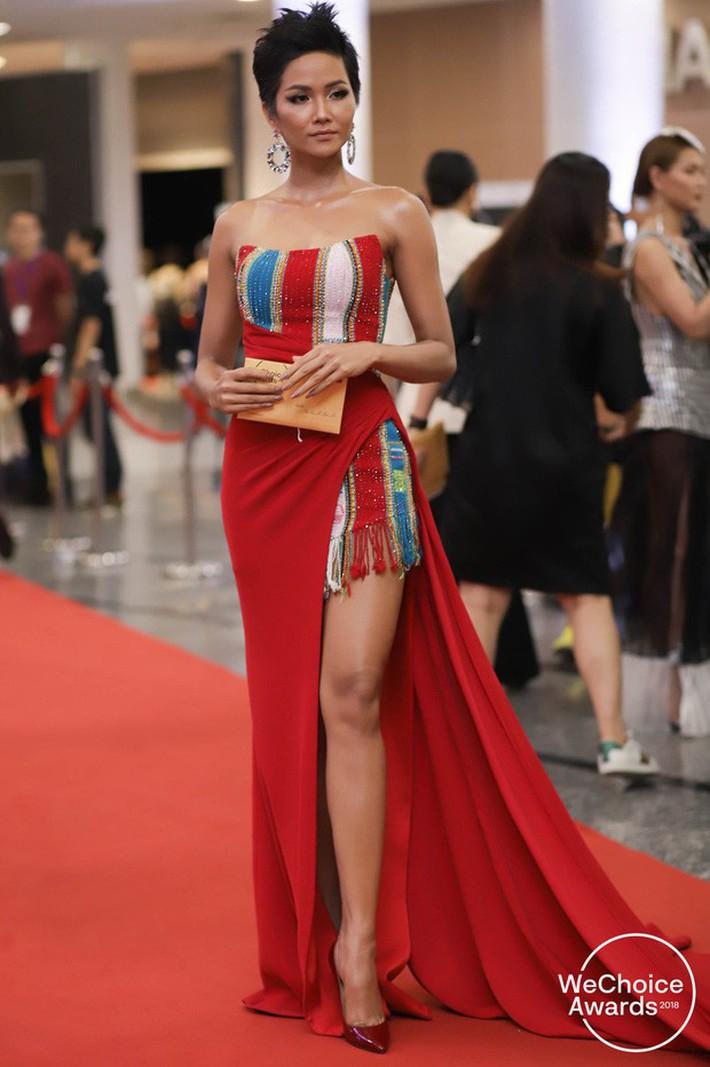 Hoa hậu nào cũng đua tranh váy áo đẳng cấp, riêng HHen Niê lại tôn vinh cội rễ bản thân bằng thời trang - Ảnh 5.
