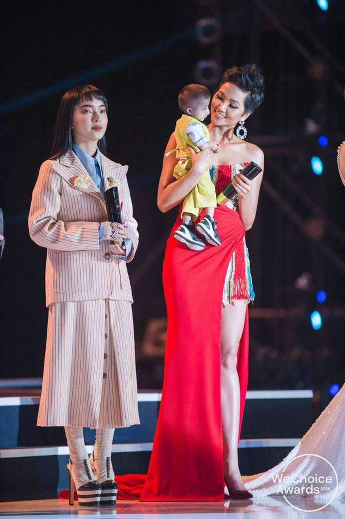 Hoa hậu nào cũng đua tranh váy áo đẳng cấp, riêng HHen Niê lại tôn vinh cội rễ bản thân bằng thời trang - Ảnh 6.