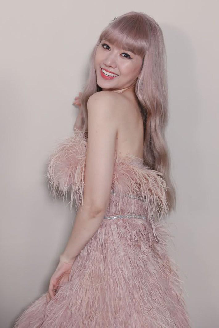 Hari Won trong MV mới chính là minh chứng: Màu tóc tẩy sáng chưa chắc đã giúp bạn xinh xắn hơn tóc tối màu - Ảnh 3.