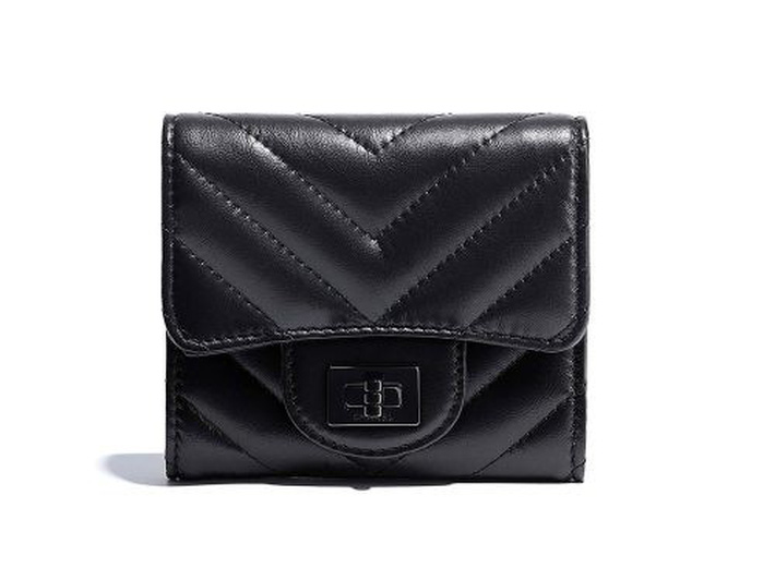 Chanel-255-Small-Flap-Wallet-Black-750-500x367