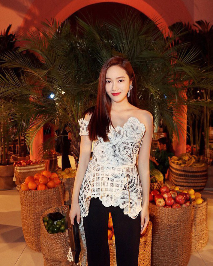 NYFW ngày 4: Jessica Jung lại bị báo quốc tế dìm tơi tả, diện set đồ hơn 100 triệu so kè với người mẫu của hãng - Ảnh 3.