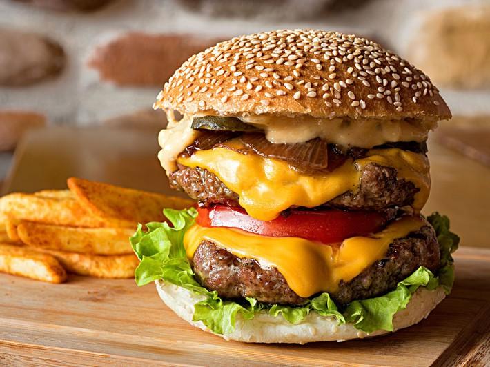 Burger-National-Hamburger-Day-FT-Blog0619