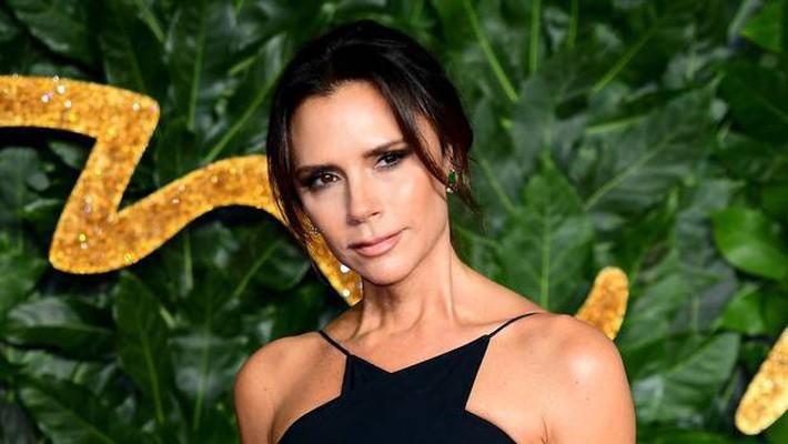 Ngoài cá hồi, Victoria Beckham còn trung thành với loại quả giàu chất béo để duy trì làn da không tì vết - Ảnh 3.