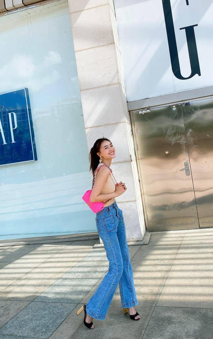 """Đầu năm đã đụng túi 79 triệu với """"Chanel sống"""" Jennie vậy mà Lan Ngọc vẫn nổi bật hết sức - Ảnh 2."""