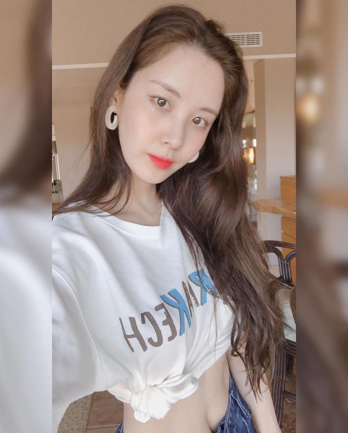 """Không nhận ra Seohyun dạo này: Chuyển phỏm từ style tiểu thư sang sexy """"chơi bời"""", mặc càng bạo lại càng đẹp - Ảnh 6."""