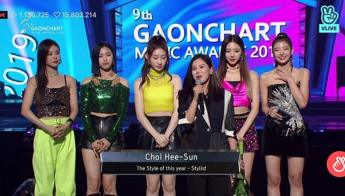 Stylist của ITZY nhận giải Phong cách của năm, dân tình không phục mà đồng lòng gọi tên Black Pink, Red Velvet, Chung Ha - Ảnh 1.