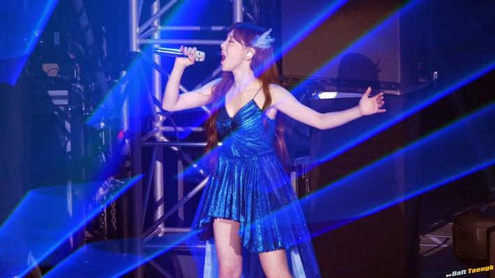 Xem màn đụng váy 80 triệu giữa Joy, Taeyeon và Thiều Bảo Trâm mà chỉ thấy phục lăn tài chế đồ của stylist nhà SM - Ảnh 6.