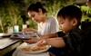 Hãy cho con ăn tối ngay khi mới đi học về: Tưởng vô lý mà lại có lý không tưởng