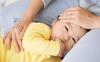 Trẻ bị sốt có được tắm hay không, đây là câu trả lời của bác sĩ Nhi khoa