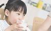 3 kiểu ăn sáng dễ gây hại cho sức khỏe của trẻ, hầu hết bố mẹ Việt đều đang cho con ăn sáng như vậy