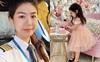Cuối tuần của hội hot mom: Nữ cơ trưởng Huỳnh Lý Đông Phương đẹp dịu dàng trong buồng lái máy bay, Hà Anh khoe