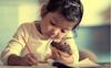 Trẻ con có những nỗi buồn không thể nói thành lời, hơn 90% các bậc phụ huynh biết đều cảm thấy hối hận vì không để ý