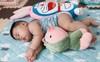 Muôn vàn tư thế ngủ của em bé