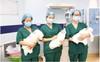 Các bác sĩ tại trung tâm Sản Nhi Phú Thọ vỡ òa khi chào đón ca sinh 3 đầu tiên