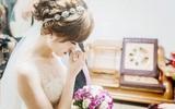 Trong ngày cưới, anh trai lên trao cho tôi 1 chỉ vàng làm ai cũng xì xào, bất ngờ chồng cầm mic tuyên bố dõng dạc khiến tôi phải bật khóc