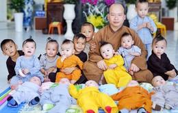 """Nụ cười của sư thầy nuôi 22 đứa trẻ bị bỏ rơi ở miền Tây: """"Chùa nghèo thiệt nhưng không có thiếu tình thương đâu"""""""