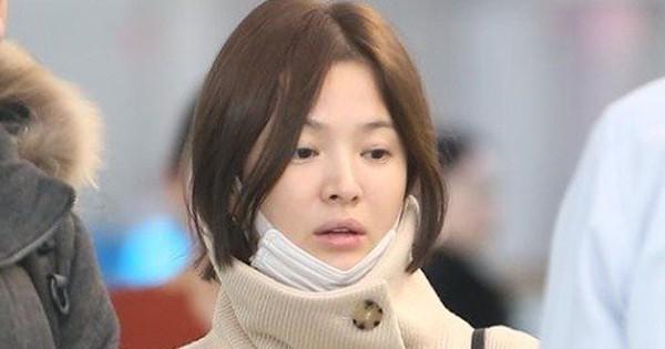 Song Hye Kyo tự tin để mặt mộc, xuất hiện một mình tại sân bay