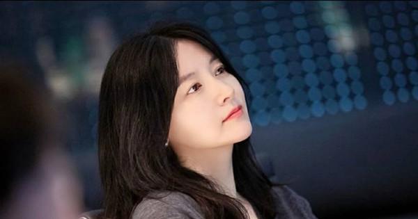 U50 Lee Young Ae lại đốn tim fan với vẻ đẹp tự nhiên không chút cầu kỳ