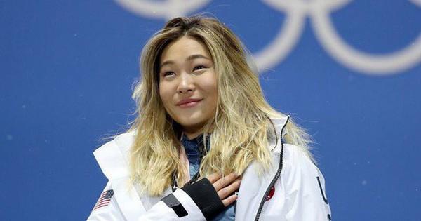 Giành HCV Olympic 2018, người hùng nước Mỹ Chloe Kim cố nén khóc khi lên nhận giải vì không muốn… làm hỏng đường kẻ mắt
