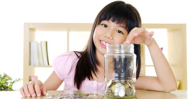 """Cha mẹ thông thái và những """"bí kíp"""" hướng dẫn con sử dụng tiền lì xì"""