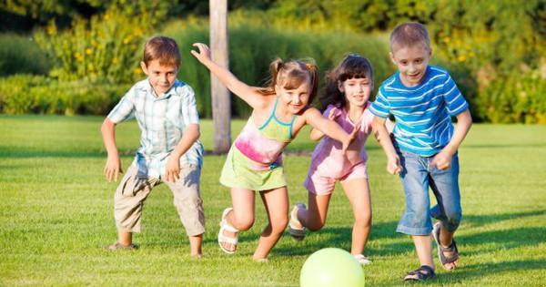 Hè đến đừng ép con học thêm, vui chơi là cách học tốt nhất!