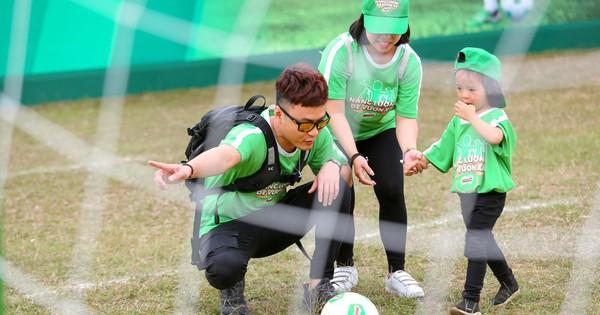 Hồng Đăng: Bố mẹ hãy cùng con chơi thể thao!