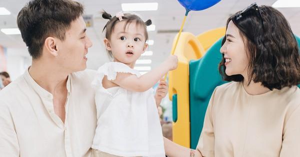 Vợ chồng Kiên Hoàng – Heo Mi Nhon chia sẻ bí quyết chăm sóc con, bất cứ ông bố bà mẹ nào cũng nên học hỏi