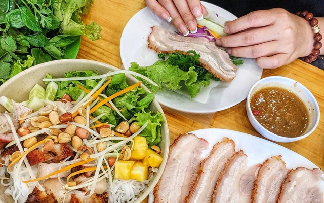 Image result for bánh tráng cuốn thịt heo