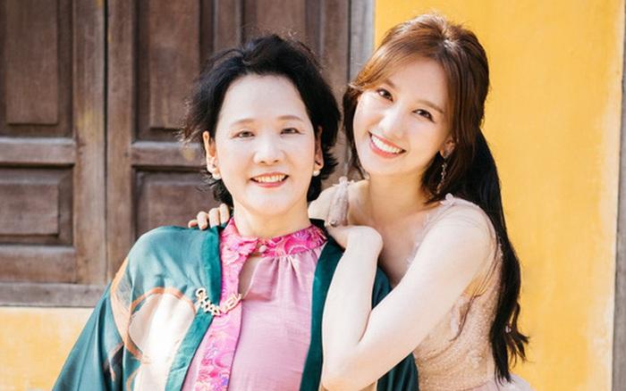 Mẹ đẻ Hari Won không muốn chăm con giúp nữ ca sĩ và Trấn Thành