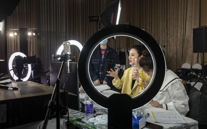 309 triệu người dùng livestream ở Trung Quốc: Cơn sốt bán hàng online với thu nhập hàng tỷ đồng khiến giới trẻ lẫn dân kinh doanh phải dấn thân vào